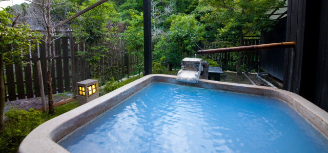 Rental private hot spring exclusive for hotel guests at the second floor